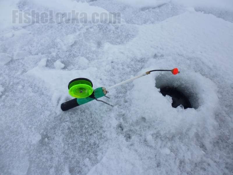 Универсальная зимняя удочка.