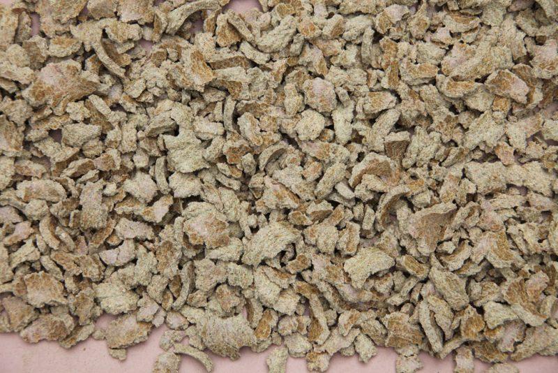 Различные жмыхи можно приобрести на сельскохозяйственном рынке.