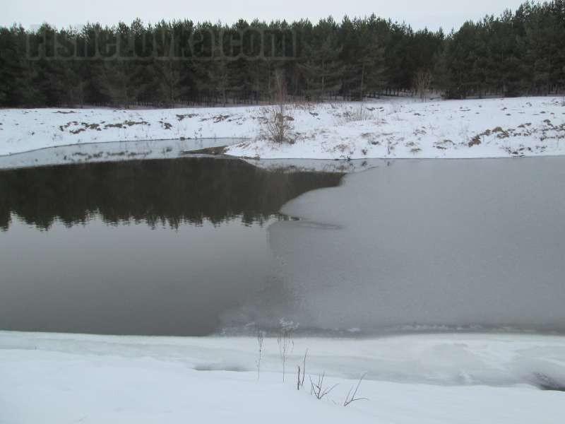 Граница льда и чистой воды - одно из перспективных мест.