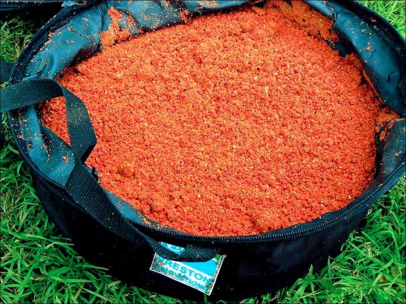 Тонкости приготовления осенней прикормки для плотвы