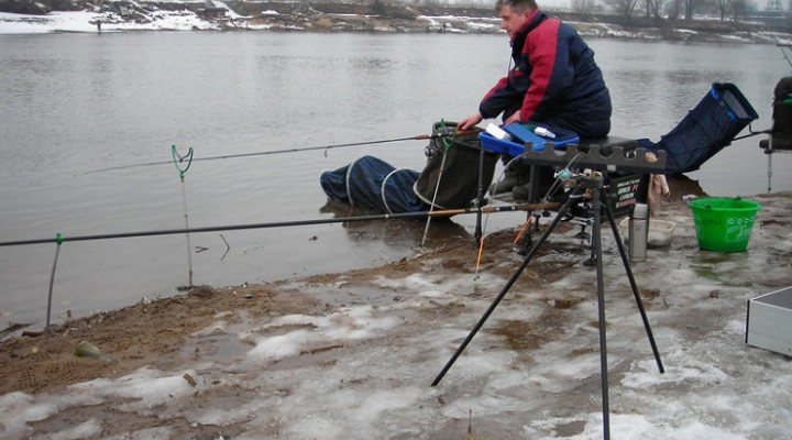Комфорт на рыбалке должен быть и зимой.