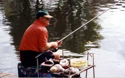 Оснастка поплавочной удочки для ловли на течении