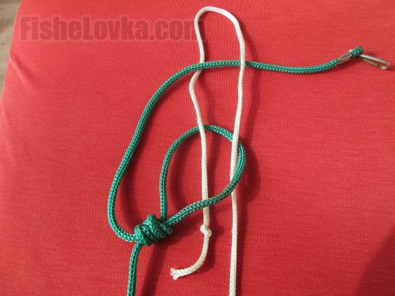 Второй шнур продеваем с двух сторон.