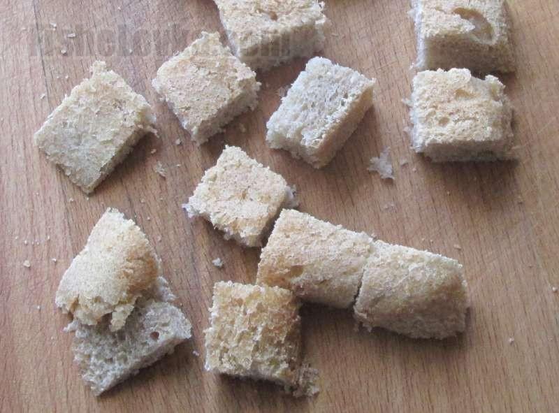 Насадка из хлебной корочки.