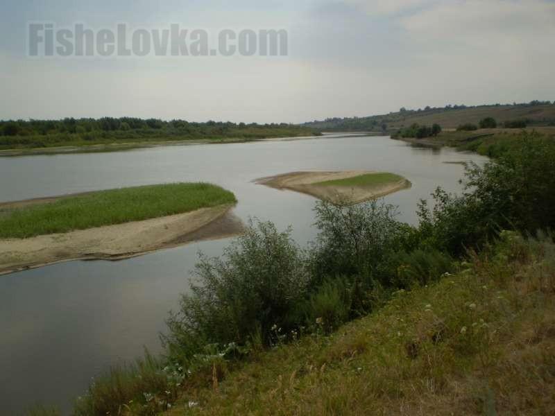 В местах сужения рек возникают перспективные быстрины.