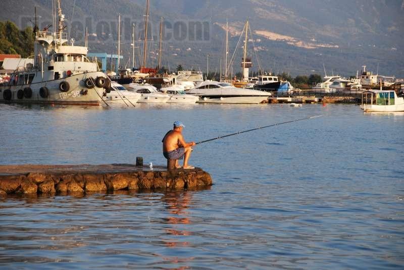 Рыбалка с пирса.