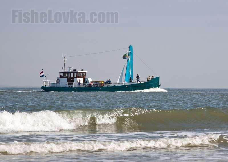 Морская рыбалка с катера.