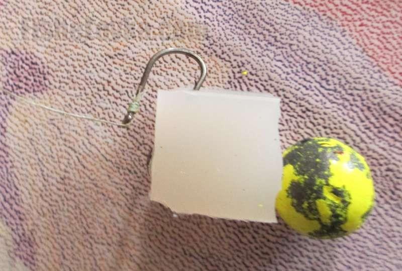Вариант: силикон и джиг головка. Крючок цепляем за силикон.
