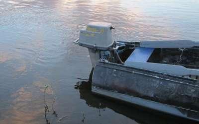 Особенности правильной установки лодочного мотора