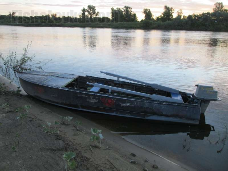 Баланс лодки и мотора очень важен.
