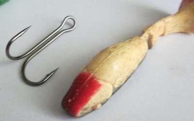 Особенности монтажа силиконовых приманок на двойные крючки