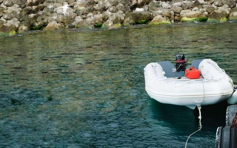Как выбрать надувную лодку ПВХ под мотор для рыбалки
