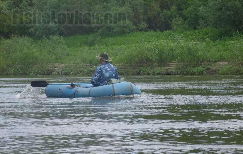Спиннингом хорошо ловить язя с лодки