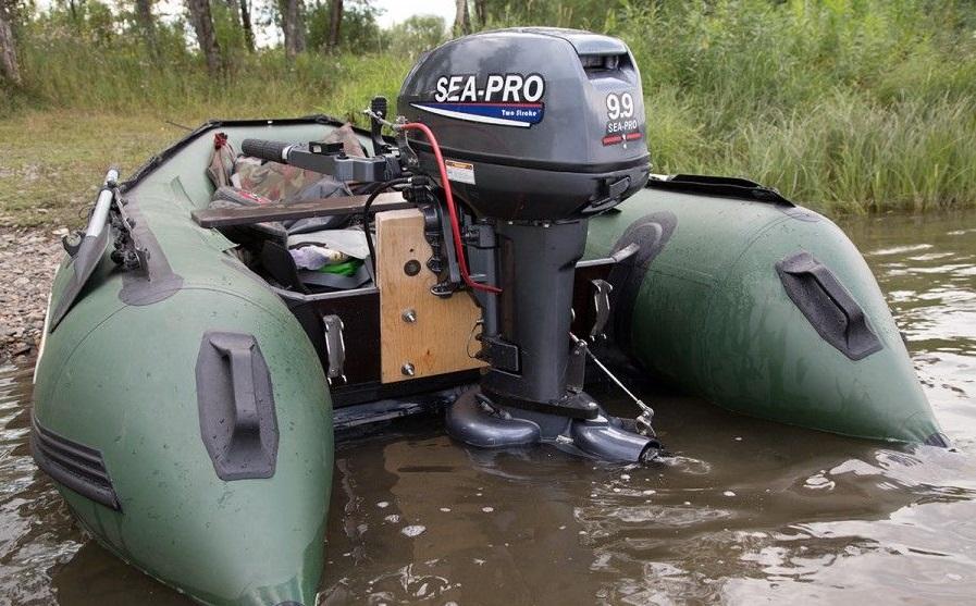 Лодочный водометный мотор